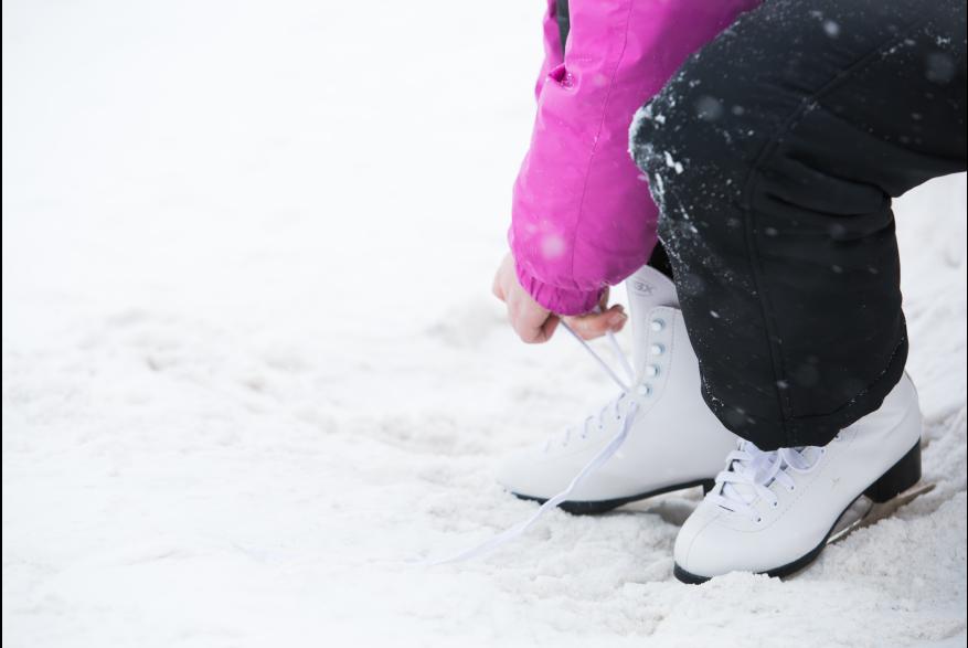 Family Fun Ice Skating in the Pocono Mountains