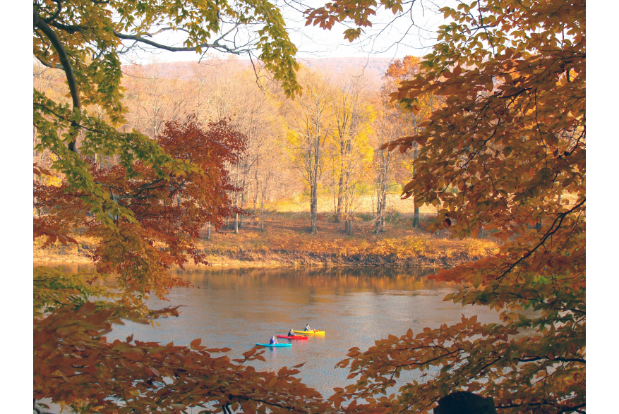 Fall Kayaking on the Delaware River