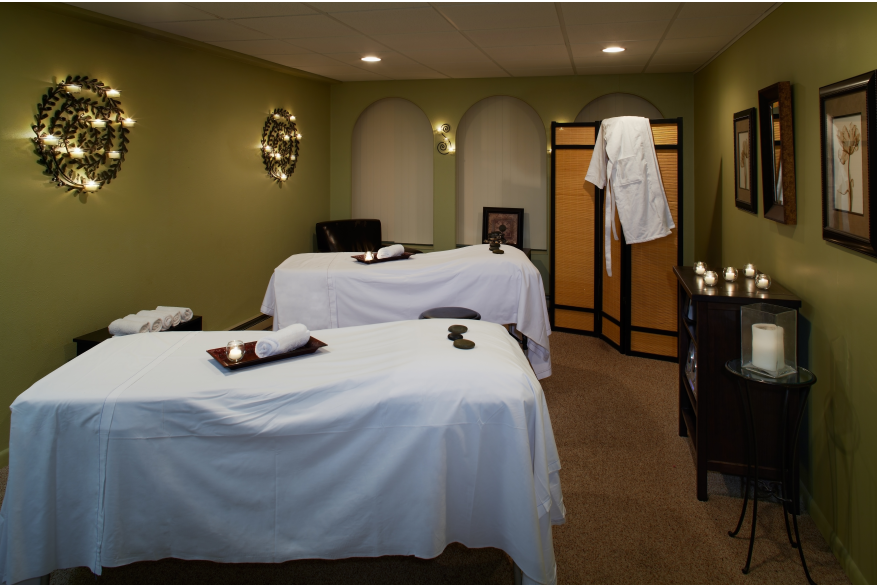 Couples massages in the Pocono Mountains