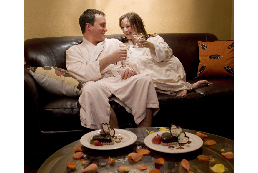 Couples Spa Services in the Pocono Mountains