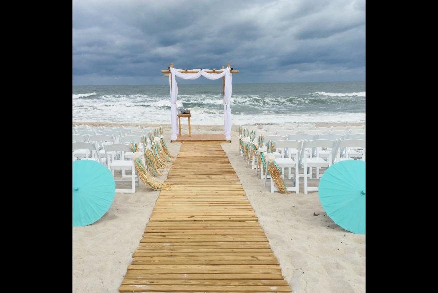 Cloudy day wedding on Carolina Beach