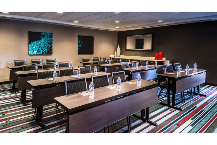 Meeting room at Courtyard downtown