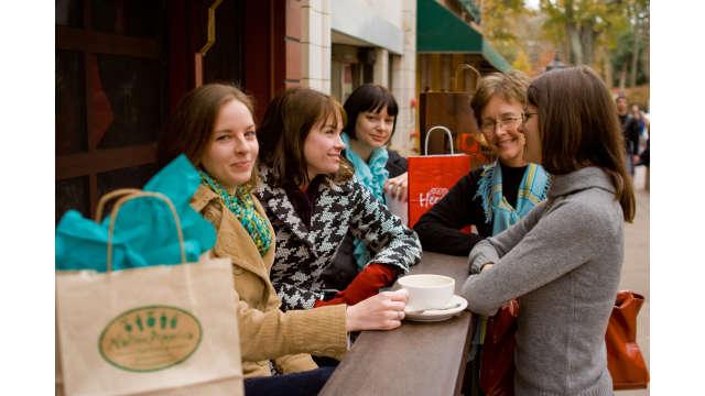 Girls Shopping Trip in Athens