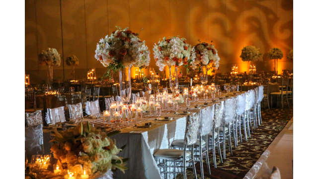 Wedding banquet table