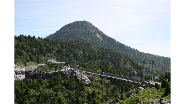 Mile High Swinging Bridge | Grandfather Mountain