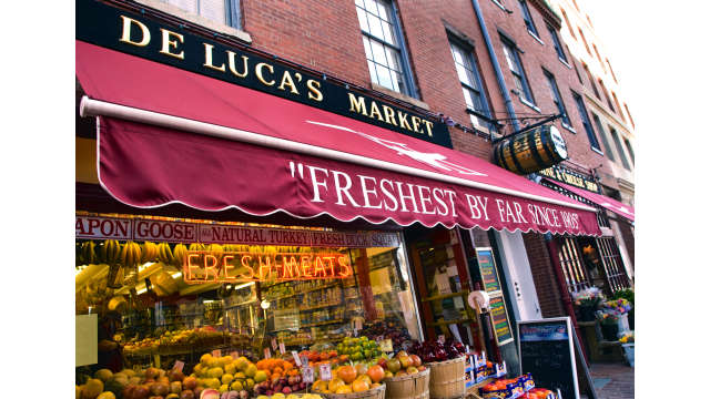 DeLuca's Market on Charles Street_0701-5