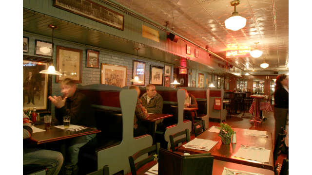 Durgin-Park Restaurant, Boston – who doesn't love a booth?