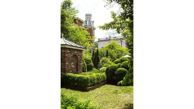 Gardens- Hunt Morgan House