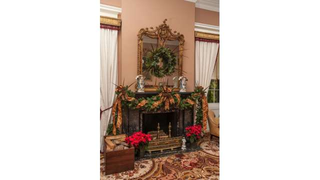 Antebellum Christmas Fireplace