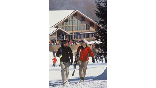 Skiing at Holiday Valley - Snowboarding