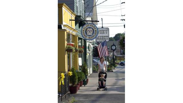 Jeffersonville - Street Scene - Shopping