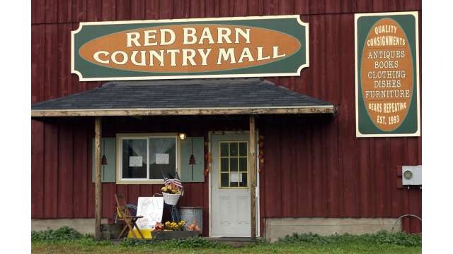 Red Barn Country Mall-Antiques/Books/clothing/furniture