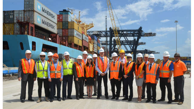 Port Everglades officials meet with the ZPMT executive team and several Port terminal operators, including Florida International Terminals, King Ocean and Port Everglades Terminals LLC, at the site where rail infrastructure improvements are underway.