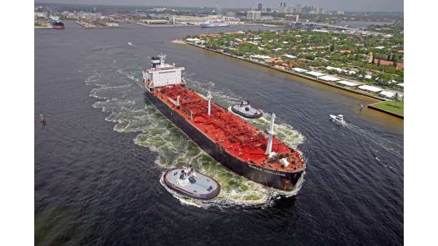 Seabulk petroleum ship docks at Port Everglades