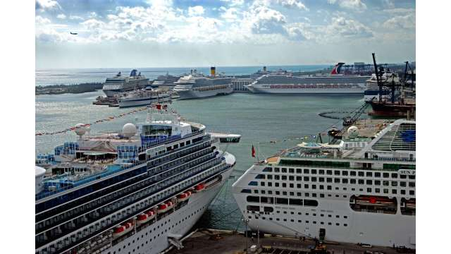 Busy cruise day at Port Everglades