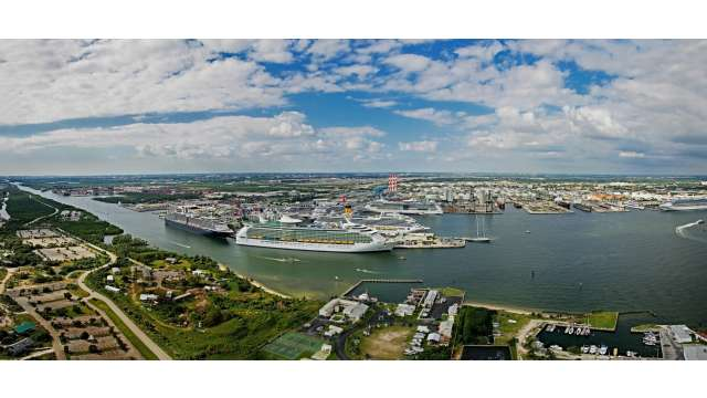Panoramic of Port Everglades