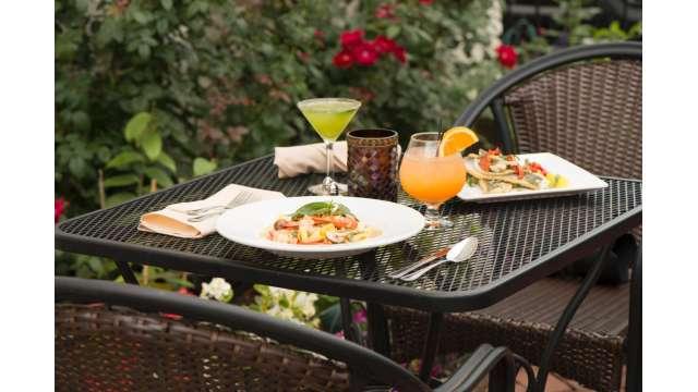 Victors Italian Restaurant 01