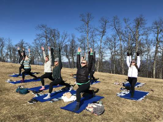 Mountaintop Yoga_Credit Asheville Wellness Tours
