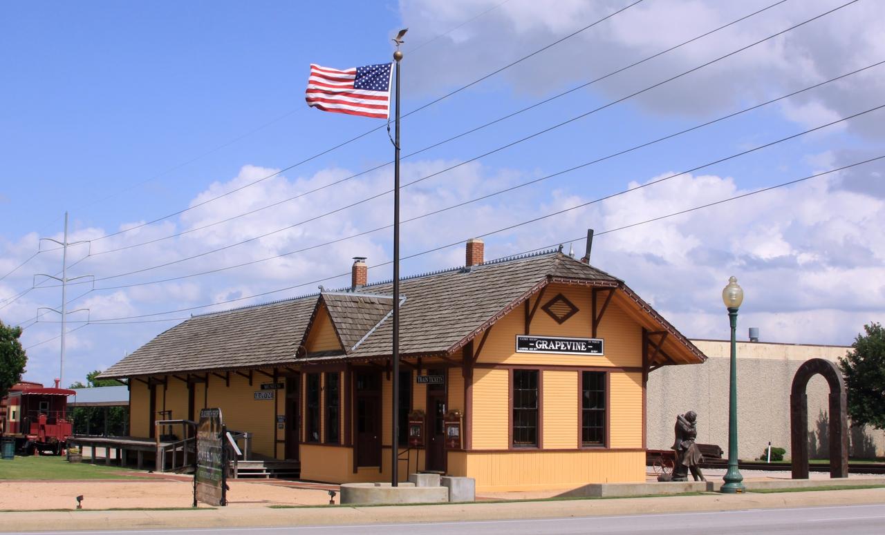 1 Walking Tour: 701 S. Main St., Cotton Belt Railroad District