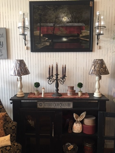 Wall decor, table, lamps