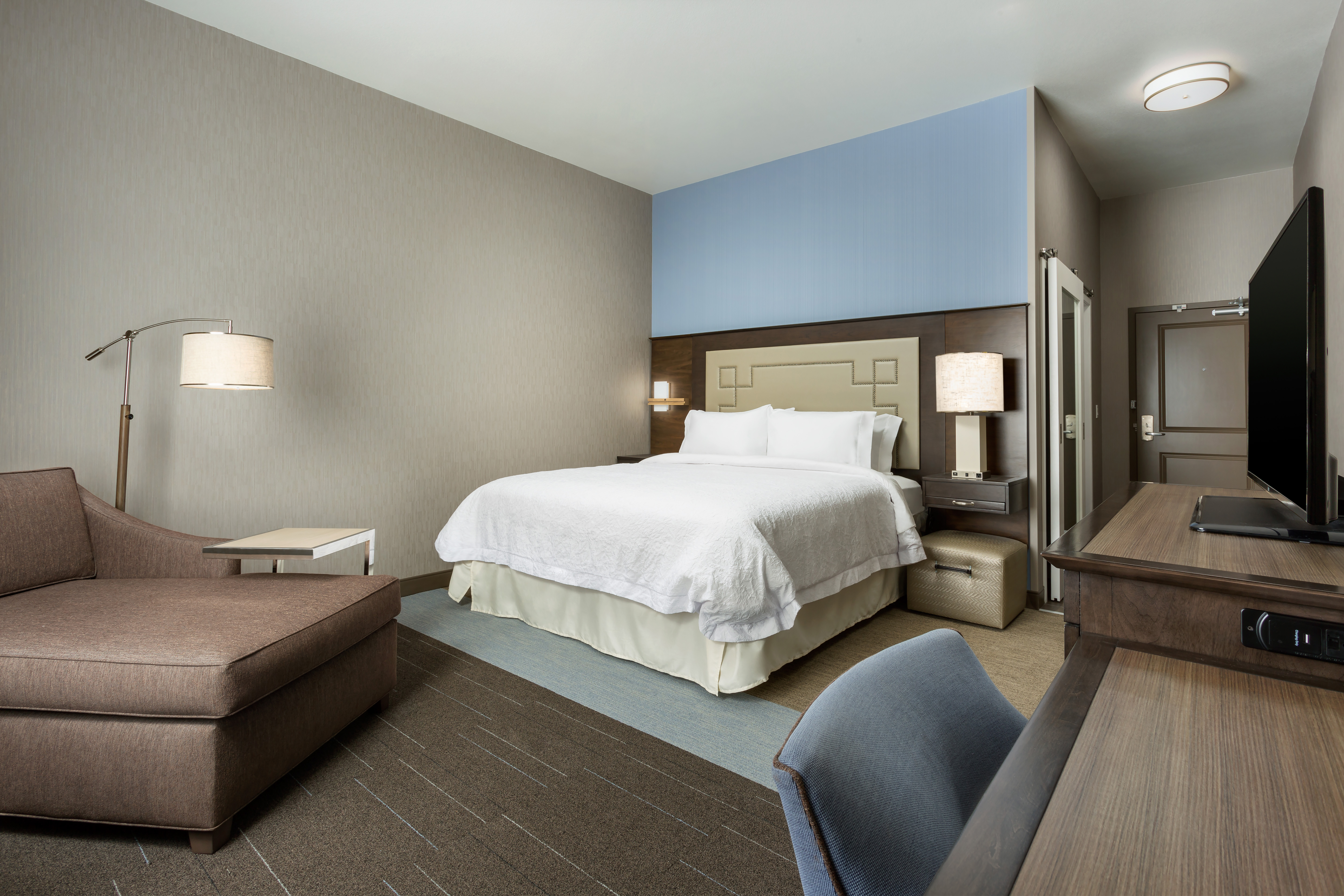 Hampton Inn & Suites Napa   Napa, CA 94559 on