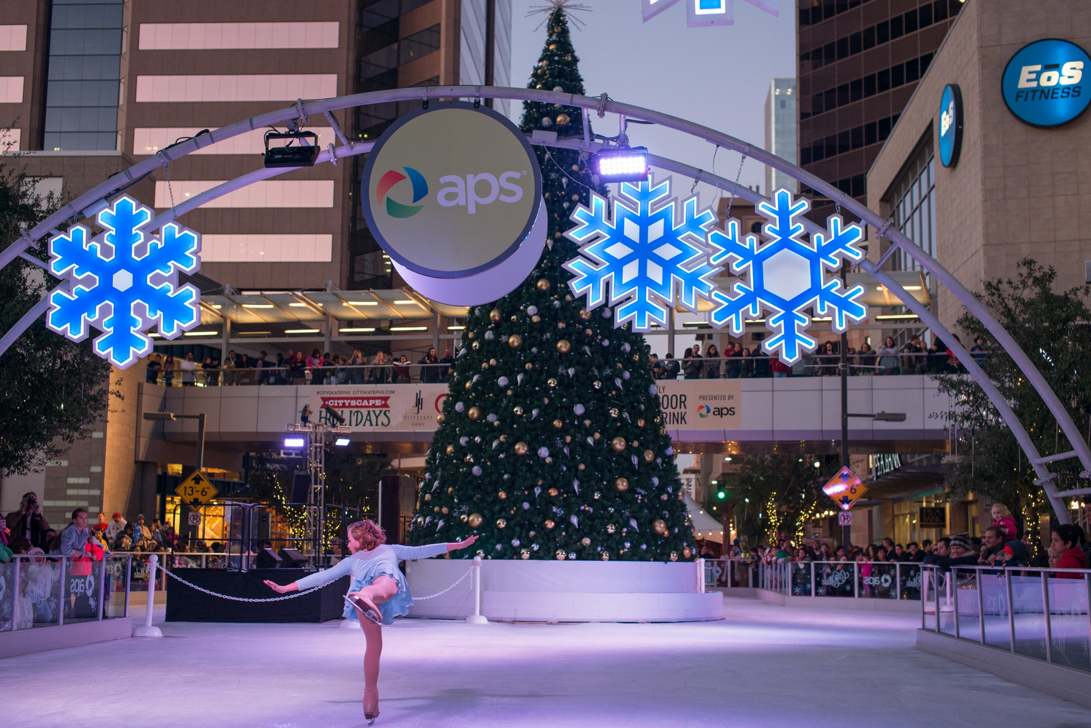 Christmas Ice Skating Rink Decoration.Cityskate Holiday Ice Rink