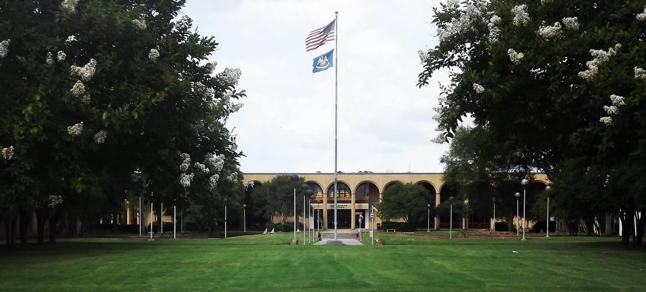 Louisiana State University Shreveport >> Louisiana State University Shreveport University Center