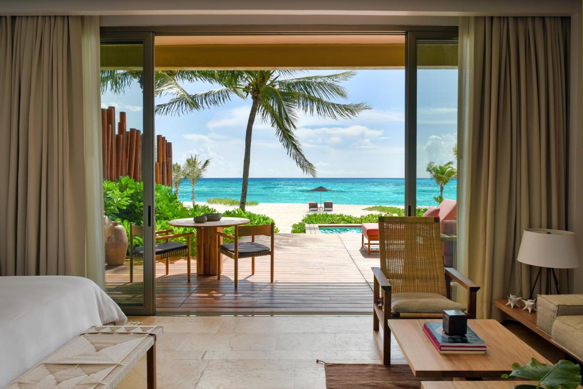 Beachfront Studio Suite Ocean