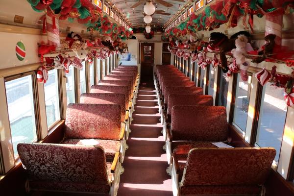 Christmas Wine Trains 2020 Grapevine North Pole Express in Grapevine TX | Train Ride to See Santa