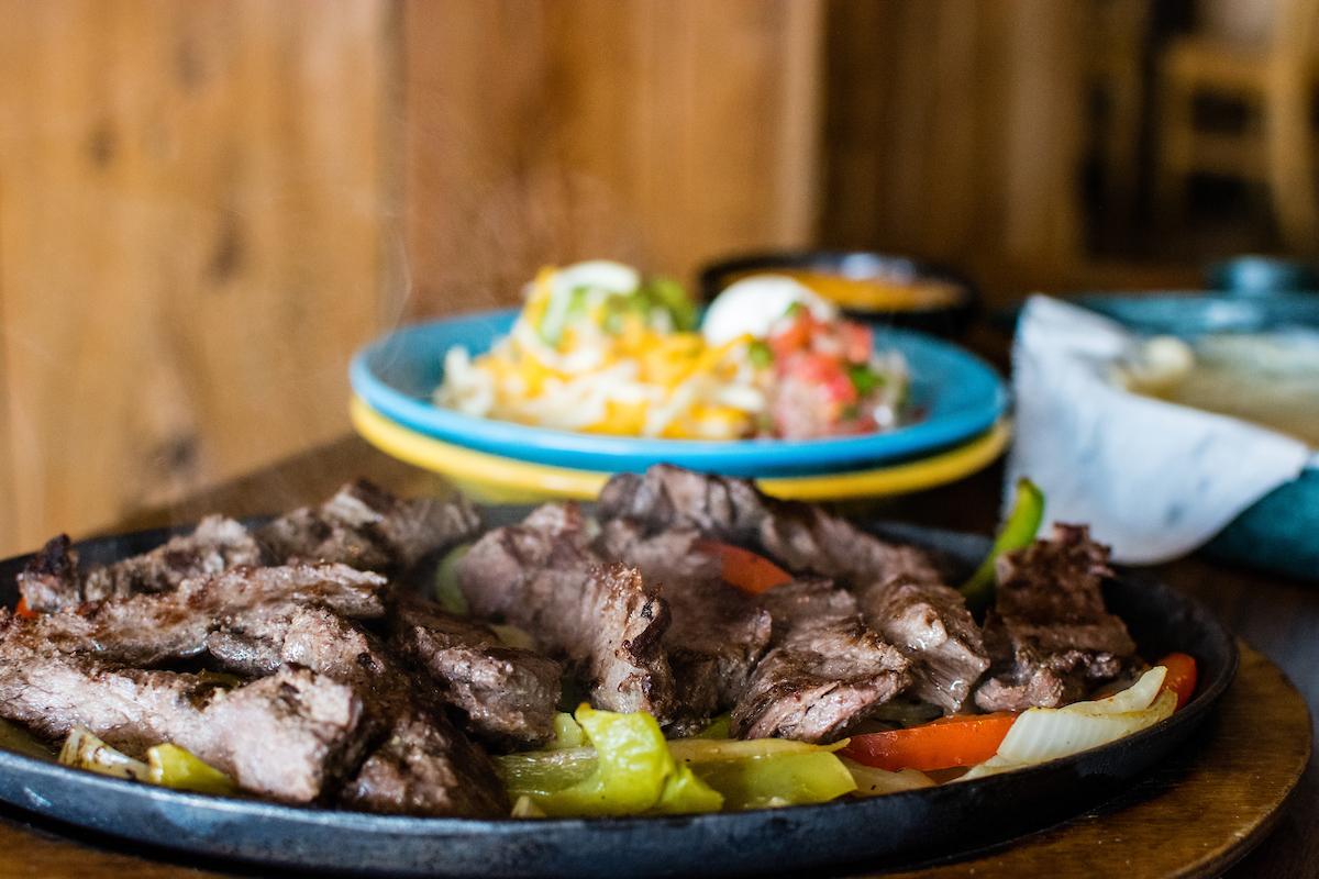 Azteca's Fajita's