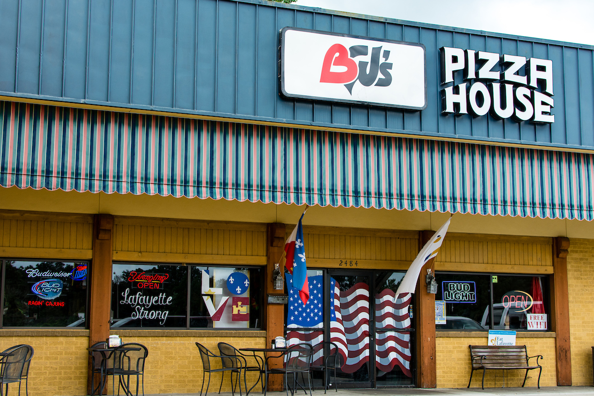BJ's Pizza Exterior