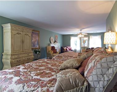 Cascade Lakes- Bedroom