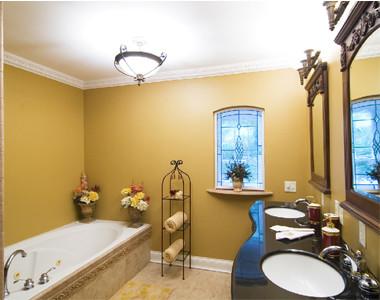 Cascade Lakes- Bathroom