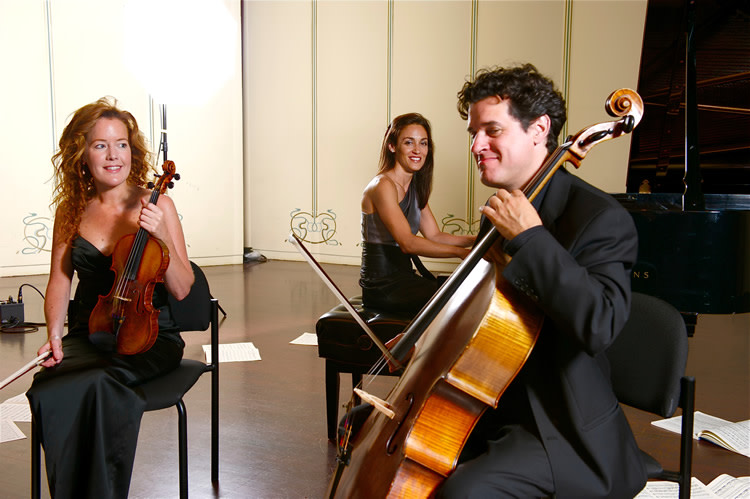 Howland Chamber Music Circle Piano Festival with Lincoln Trio