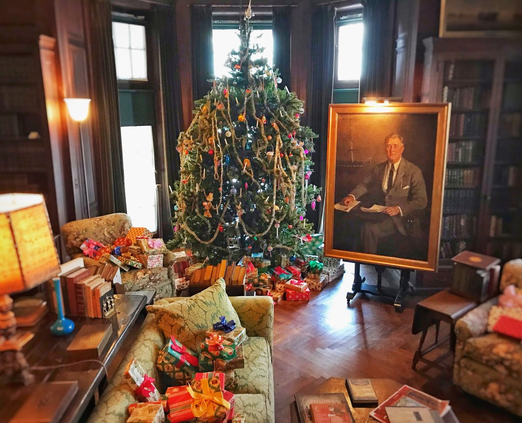 Holiday Events, Reading Festival at FDR Presidential Library and Home; Holiday Decorations at Valkill