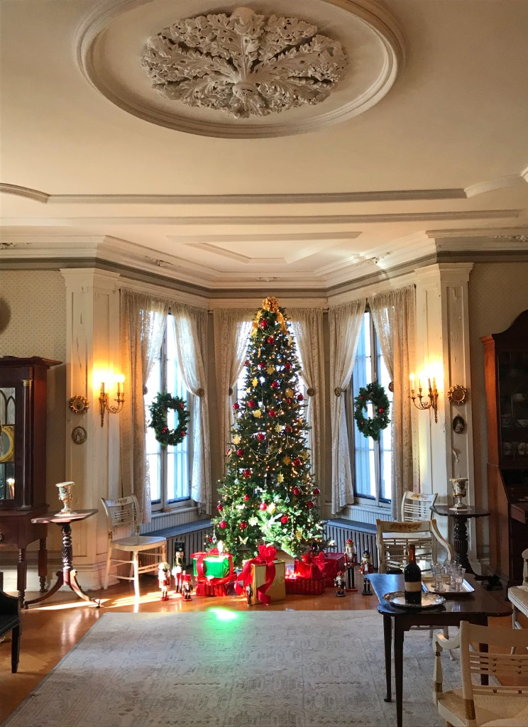 CANCELLED: Holiday Mansion Tours at Locust Grove Estate
