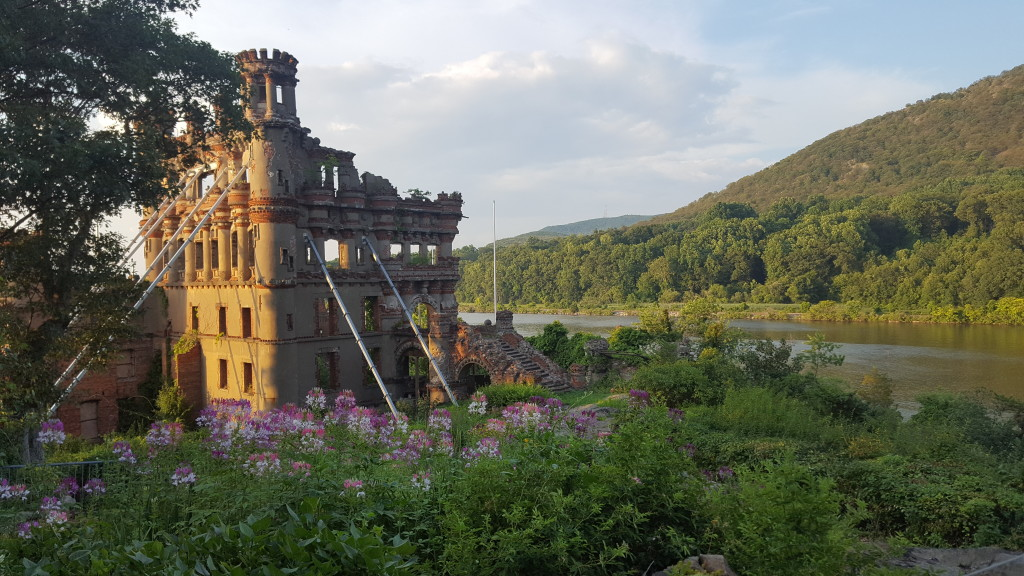 Bannerman Castle Labor Day Cruise & Walking Tour