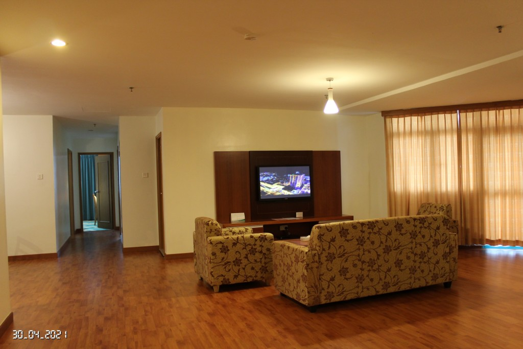 Imperial Wing - 3 Room Apartment @ Living Room